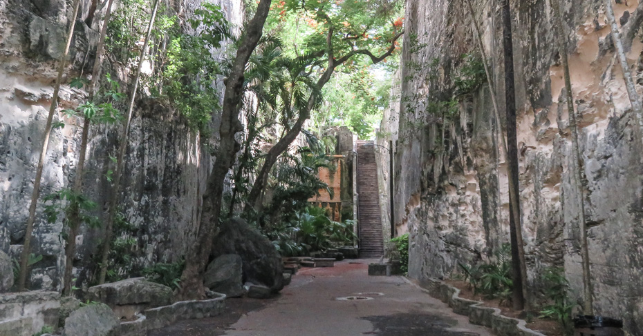 Things to do in Nassau Cruise Port: Queens Staircase. Take a Nassau self guided walking tour and discover the authentic Nassau Old Town on New Providence island Nassau Bahamas. Take a Nassau Walking tour to the Queens Staircase.