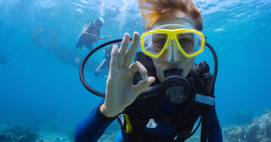 Best Diving in the Caribbean. Discover the best bahamas scuba diving for the ultimate diving bahamas vacation. Fly from FLorida to Bahamas with Bahamas Air Tours.