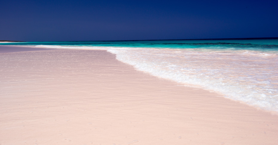 Best Bahamas Beach Pink Sands Beach on Harbour Island Eleuthera. Explore the best beaches in Bahamas