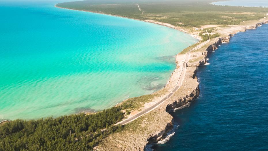 Flights to North Eleuthera Bahamas. over fly the scenic Glass Window Bridge on Eleuthera Island with Bahamas Air Tours North Eleuthera flights.