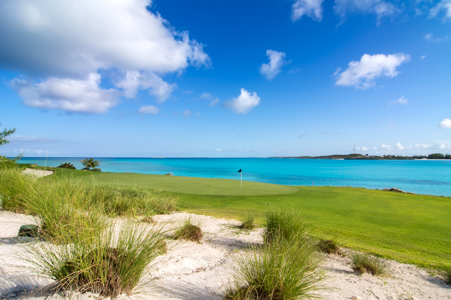 Things to do in Exuma Bahamas, golf and beaches at the Emerald Bay Resort & Spa. Discover the best beaches in Exuma at Emerald Bay Resort.