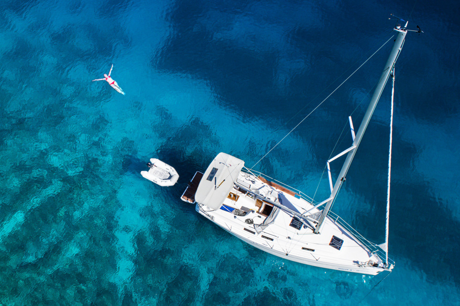 Bahamas sailing Charters, discover the Bahamas from the Sea on a Staniel Cay Day Trip from Nassau and Miami