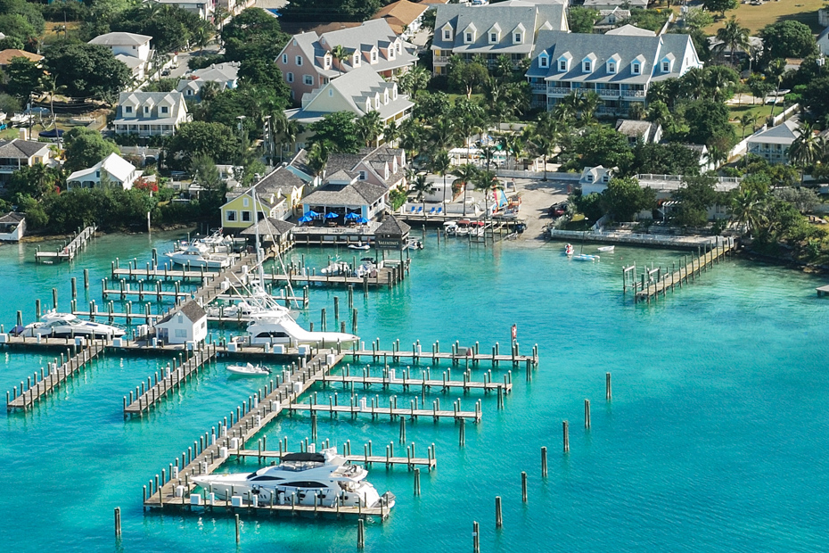 The Best Bahamas Resorts -- Valentines Resort. Best Bahamas Family Resorts, best hotels bahamas, and exuma Bahamas hotels. The marina at Valentines Resort on Harbour Island Bahamas, on Eleuthera Island Bahamas. Flight to Bahamas with Bahamas Air Tours.
