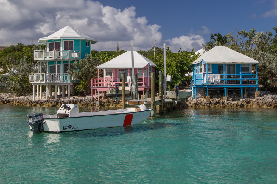 Visit Staniel Cay Yacht Club on a Bahamas Day Trip