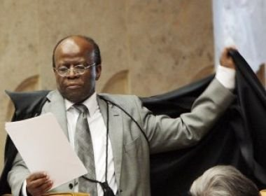 Joaquim Barbosa assume comando do STF, em evento com 2 mil convidados