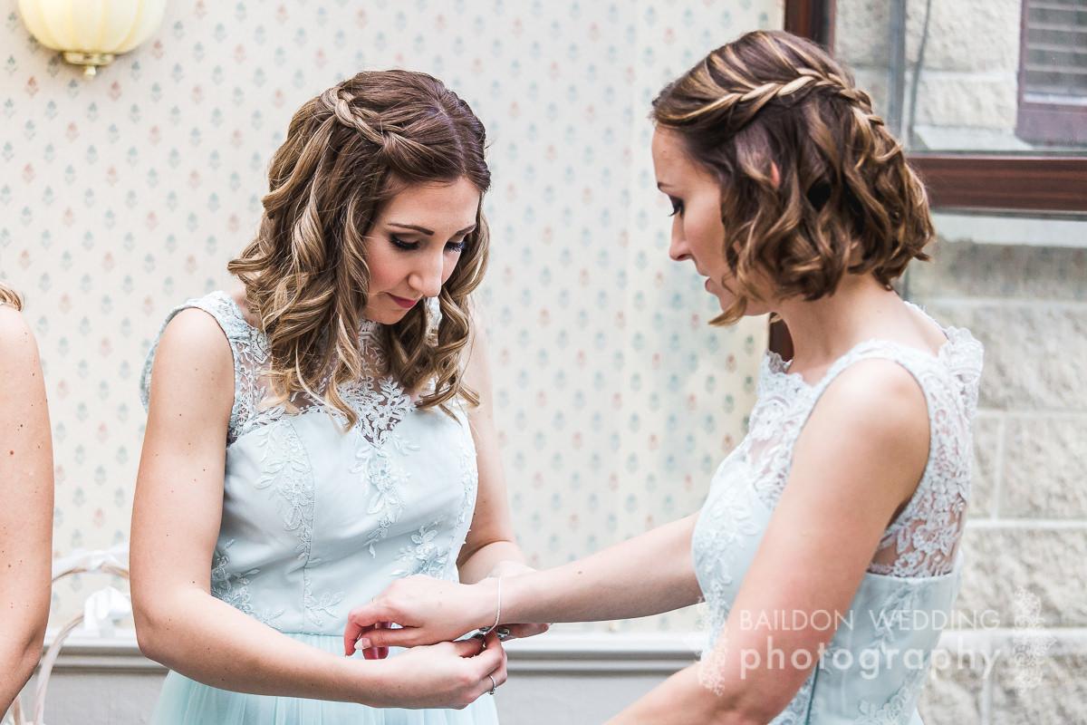 Leeds Wedding Photographer Yorkshire | Oakwell Hall wedding | Gemma ...