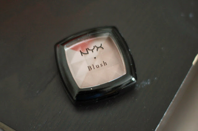 NYX BLUSH IN 'TAUPE'