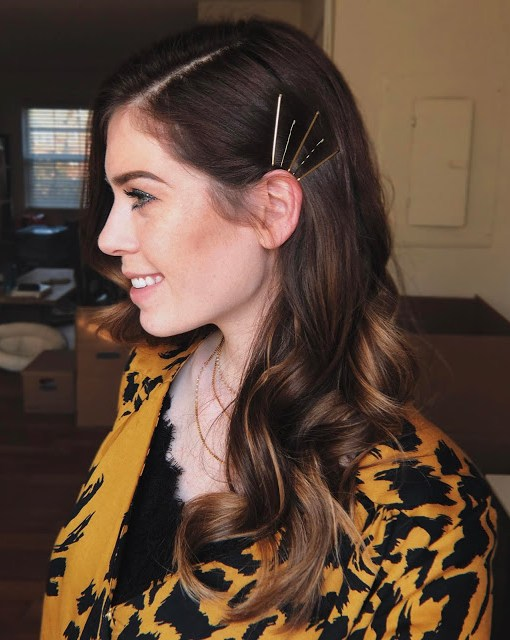 photo showing simple and cheap holiday hairstyle with bobby pins