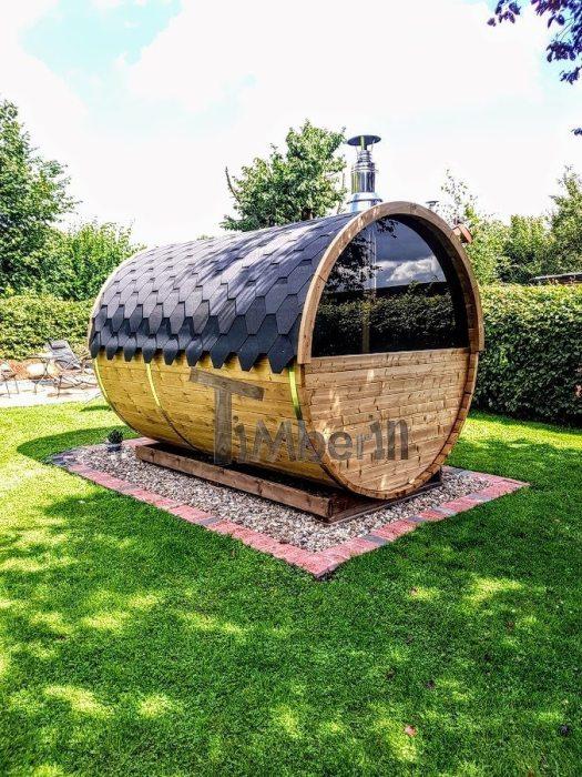 Sauna Extérieur En Baril Qvec Une Fenetre Panoramique