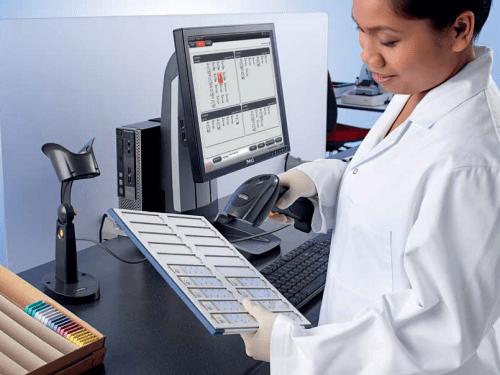 Proteja a los pacientes y mejore la productividad con el seguimiento de muestras CEREBRO – Leica Biosystems