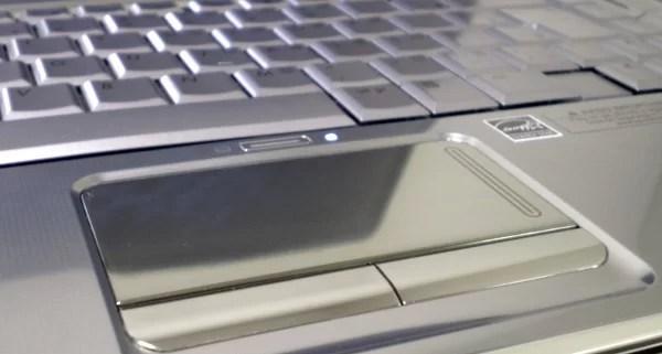 Teclado e touchpad são muito confortáveis