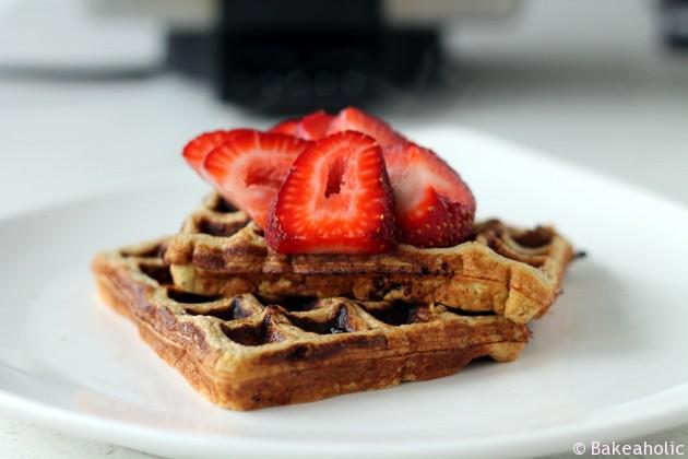 Protein Waffles // bakeaholic.ca