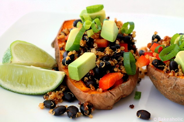 Meatless Monday: Stuffed Sweet Potato Mexi Boats // Bakeaholic.ca