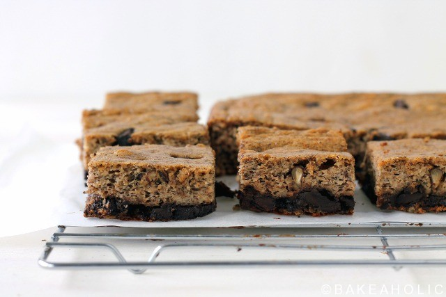 Peanut Butter Banana Chocolate Chunk Bars // bakeaholic.ca