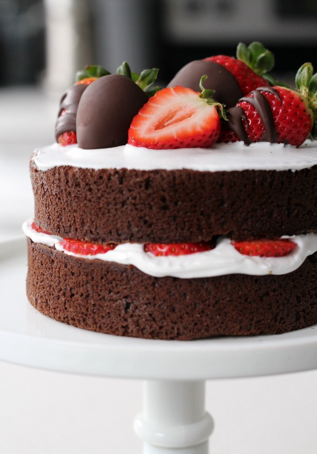 Naked Chocolate Cake for Valentine's Day // Bakeaholic.ca