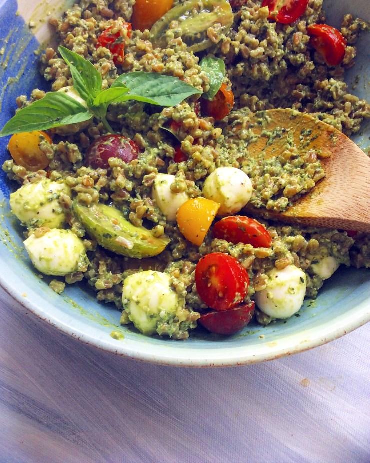 Pesto Caprese Farro Salad