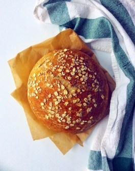 Crusty No-Knead Oatmeal Bread