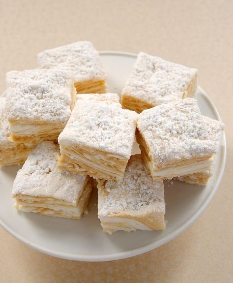 salted caramel marshmallows hot cocoa