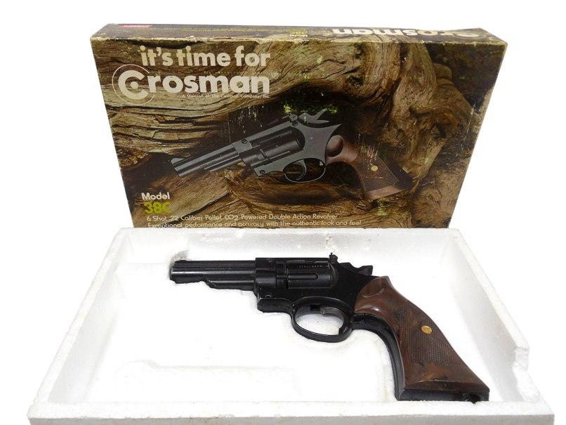 Crosman 38c Combat C02 Revolver In Box