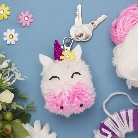 Unicorn party ideas, unicorn keychain