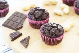 Muffin al cacao e burro d'arachidi