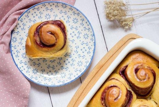 Girelle di pan brioche con marmellata