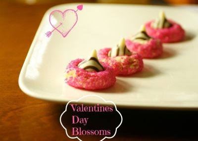 http://www.bakingbeauty.net/valentines-day-blossoms-recipe/