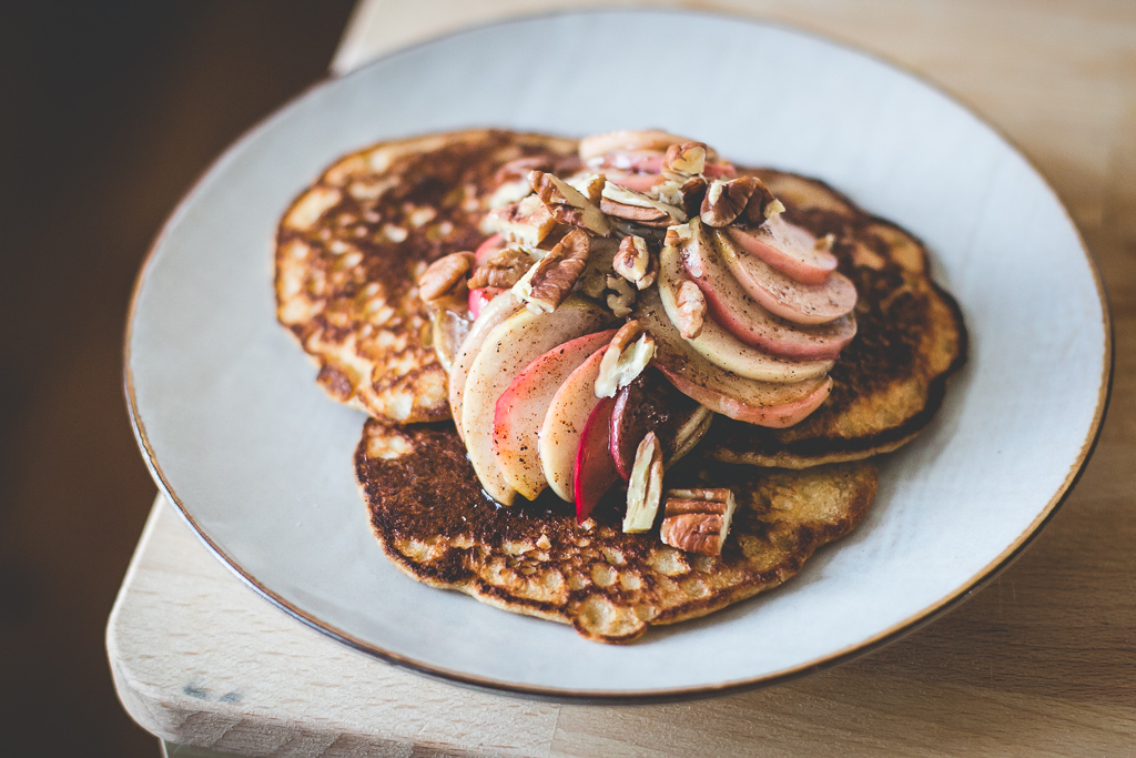apple sourdough pancakes-2