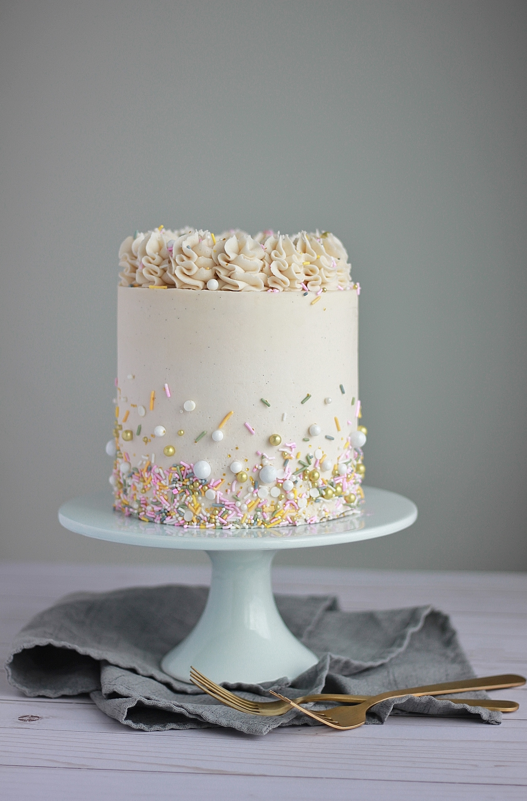White Cake with Vanilla Bean Buttercream