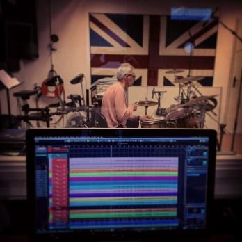 Henk Kannegieter op drums