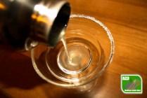 Recept Lemon Drop, cocktailshaker waaruit lemon drop wordt geschonken