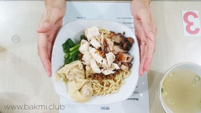bakmi-sin-lun-bakmi-spesial-ga-pake-daging-merah