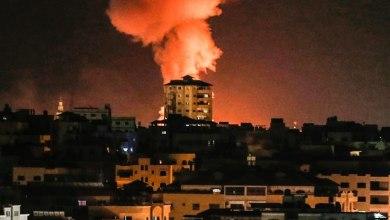 صورة إصابات جراء سقوط صاروخ إسرائيلي قرب منزل في حي الشجاعية