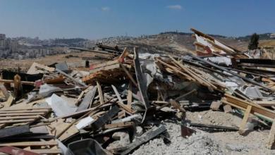 صورة قوات الاحتلال تهدم منشآت صناعية في بلدة عناتا