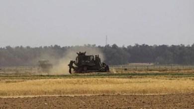 صورة آليات الاحتلال تتوغل في أراضي المواطنين شرق دير البلح