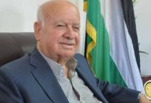 صورة الأغا يدعو الرئيس عباس لإلغاء كافة الإجراءات ضد قطاع غزة لتفادي صدمة الصناديق