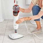 VonHaus Balai Vapeur Nettoyeur 1200 W — 2 lingettes en microfibres amovibles et lavables en machine — Pour le nettoyage des tapis, moquettes, carrelages et planchers