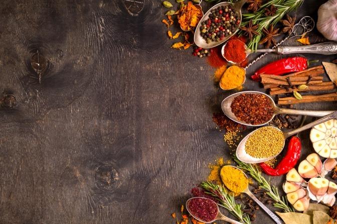 Mit ayurvedischen Gewrzen gut durch Herbst und Winter