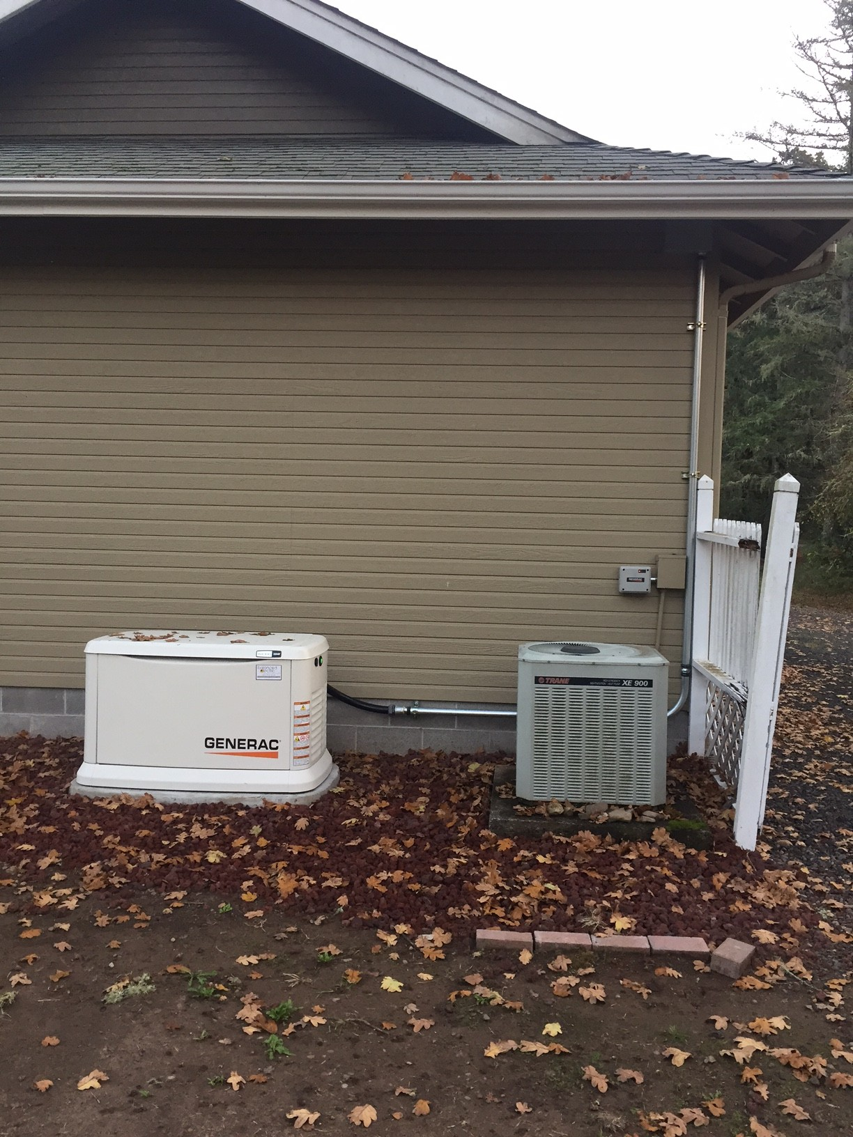 hight resolution of this generator was installed by the pump house and the service was upgraded from a zinsco meter main the house and the well are all on generator backup