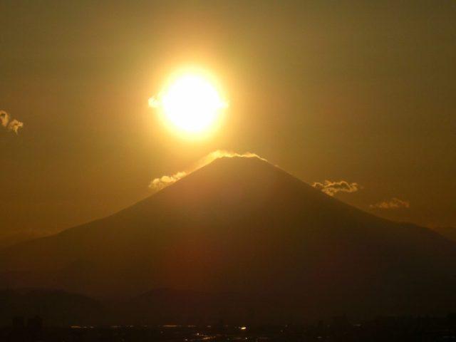 湘南のダイアモンド富士