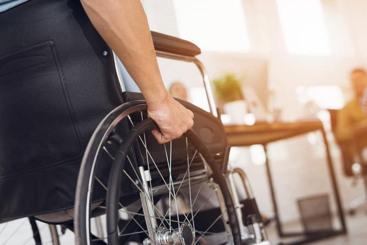 Lares denuncia la ausencia de diálogo en la aprobación de la reforma de la Ley de Discapacidad