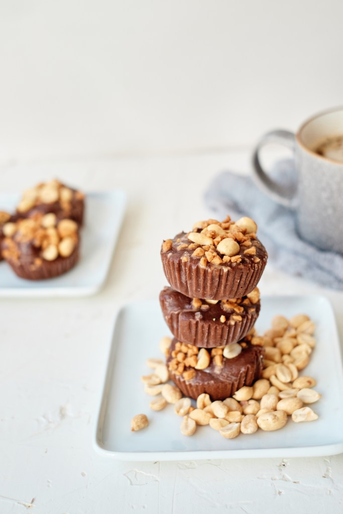 Frozen Pudding Cups With Peanuts & Caramel