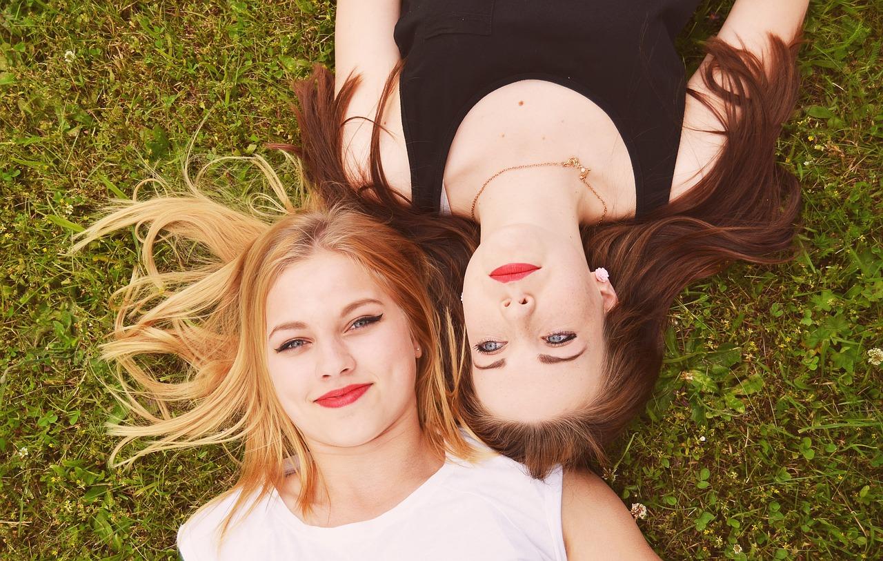 WEE und Cooinx: Andere Mütter haben auch schöne Töchter