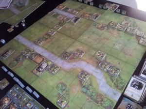 Tipico scenario da due giocatori, su 4 tasselli di mappa.
