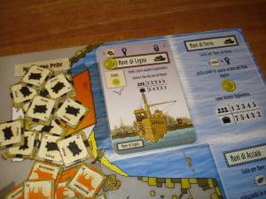 La carta round viene poi capovolta, tramutandosi in una nave, che può essere comprata o costruita come un edificio, ma solo se è disponibile il Molo.
