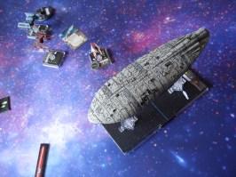 Il TIE-Bomber ha inquadrato il bersaglio! Gli scudi sono abbassati, ci sono già diversi danni allo scafo... i missili centrano in pieno il reattore, e il trasporto ribelle esplode. L'Impero ha vinto!