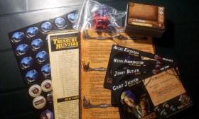 L'espansione Treasure Hunters prevede parecchie nuove carte, nuovi eventi nelle città e 4 nuovi personaggi giocabili.