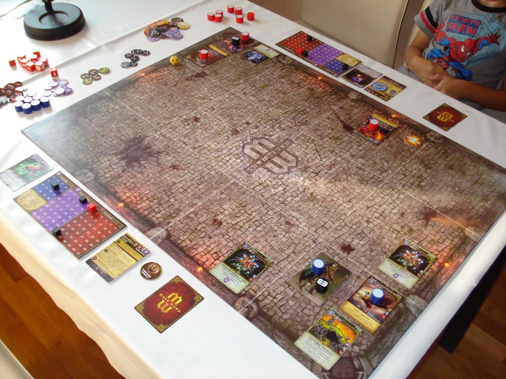 Una partita iniziata da poco: il Signore delle Bestie affronta l'Arcanista.