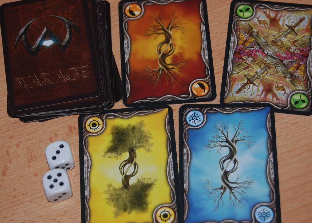 Il mazzo delle stagioni e i dadi: gli elementi casuali del gioco.