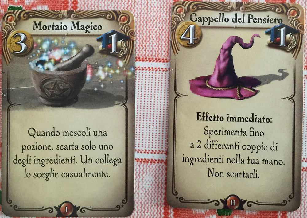 Un alchimista ha acquistato due artefatti particolarmente ghiotti: anche questa è una buona strategia per poter vincere la partita.